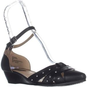 Rialto black faux leather wedge with studs